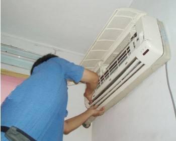 拥有一批专业的西安空调维修服务人员