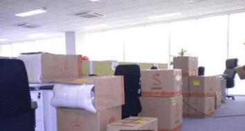 根据客户不同的需求定制搬家方案