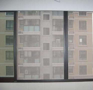 如何保养清洗防蚊门窗