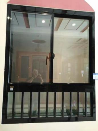 岳阳伟业蓝光铝合金门窗专业制作上门安装