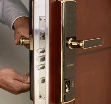 山亭开锁修锁换锁配钥匙