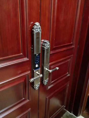 西平安装指纹锁上门服务