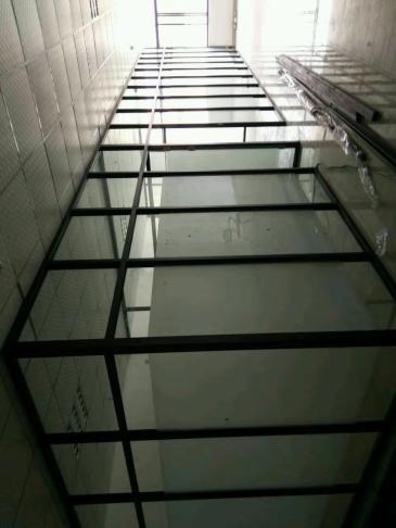天河区办公室玻璃隔断专业厂家