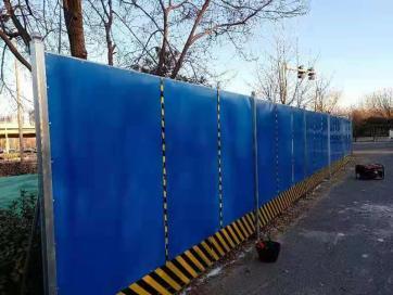 北京围挡在施工的时分要准守哪些规矩
