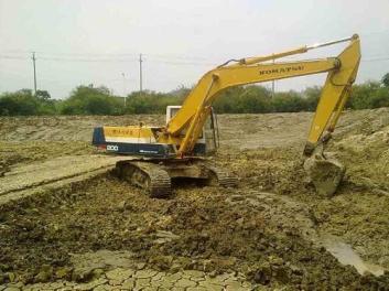 挖机呈现右臂无力的状况修理过程 出租公司告诉你