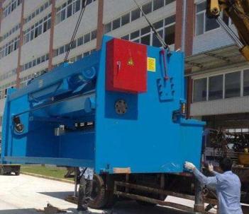 三亚起重吊装大型设备起重吊装货柜