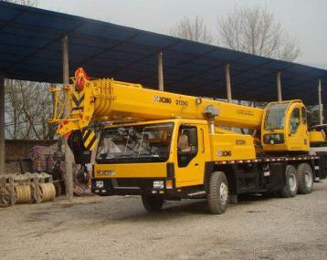 大连博豪吊车租赁公司出租各种重型机械吊装设备