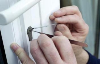 换锁和换锁芯怎么才能更加安全防盗