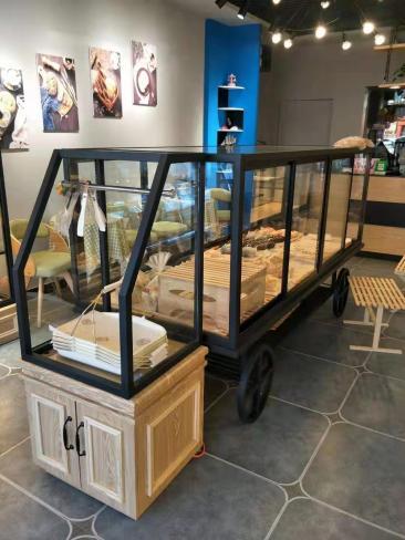 呼和浩特蛋糕店展柜货架制作