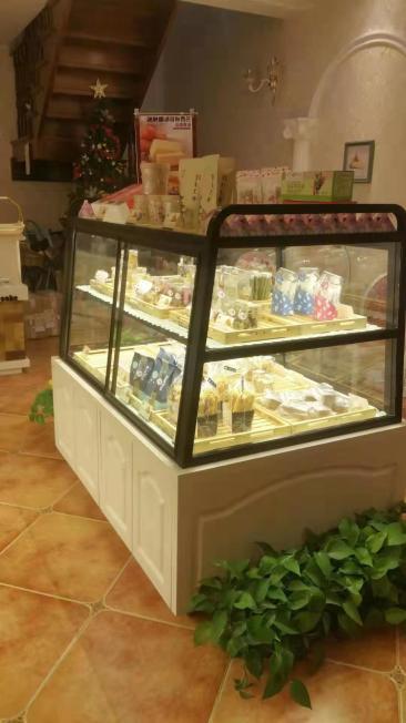 包头专业展柜定制 面包展示柜 蛋糕展柜