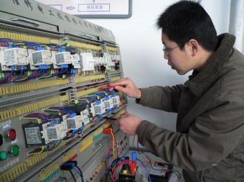 漏保跳闸怎么办,找张家口专业的电工来上门维修