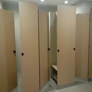 卫生间隔断和抗倍特板装修怎么做
