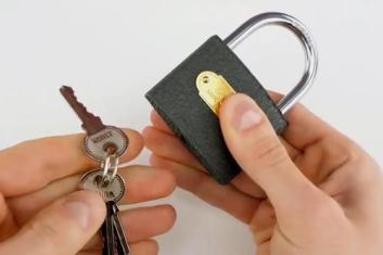 选择门锁的小窍门
