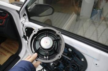 衡阳汽车音响改装扬声器的尺寸和配置