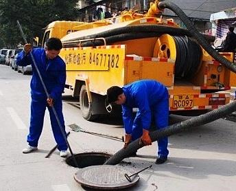 赣州化粪池清理的方法和应要注意的事项