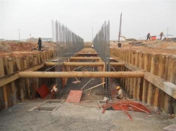 应用厦门钢板桩大大降低了桥梁基础建设成本