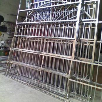 保定量尺定做不锈钢防盗网