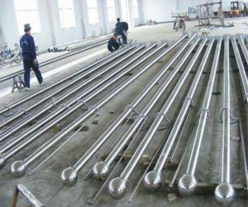 保定诚至不锈钢旗杆厂家的电动旗杆和风动旗杆