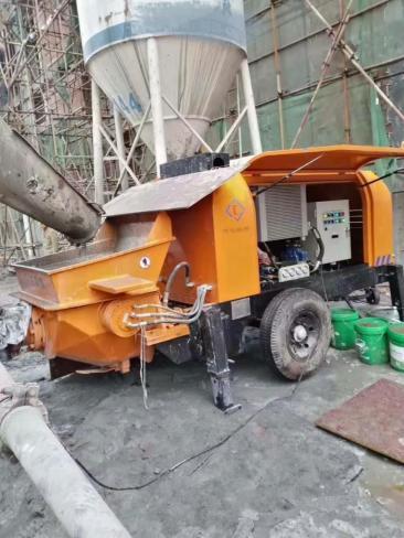 四川正规混凝土输送泵租赁公司