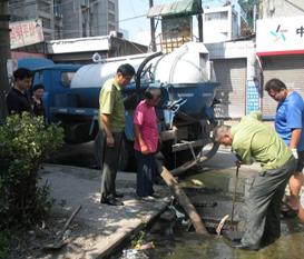 柳州清理化粪池疏通厕所马桶疏通下水道高压清洗管道
