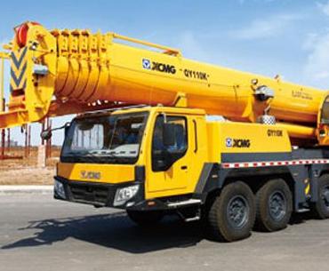扬州汽车吊出租-专业起重吊装机器移定位