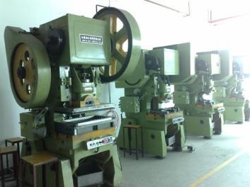 智祥废旧物资回收站回收各种大型设备