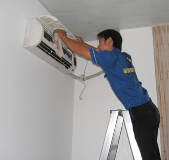 郑州市空调维修加氟安装 合理收费 保质保量