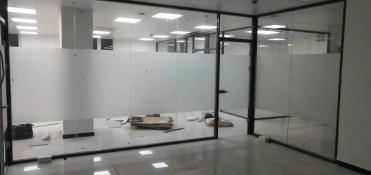 西安办公室玻璃隔断的主要材料介绍