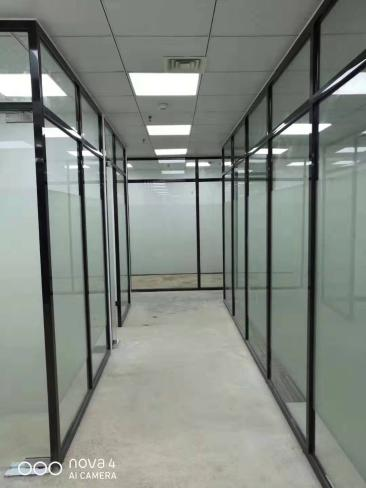 南宁玻璃隔断门安装