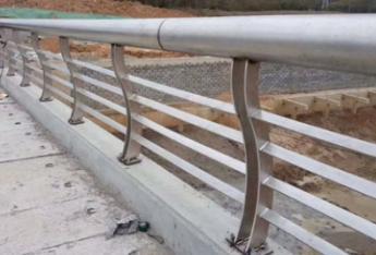 海南卷闸门/不锈钢栏杆