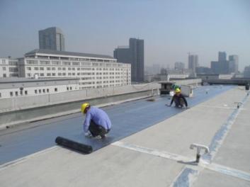 屋顶做许昌防水工程价格贵吗