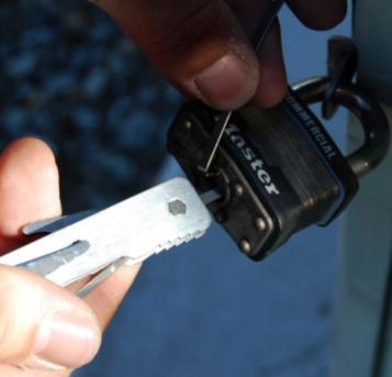 揭阳24小时开锁修锁换锁芯