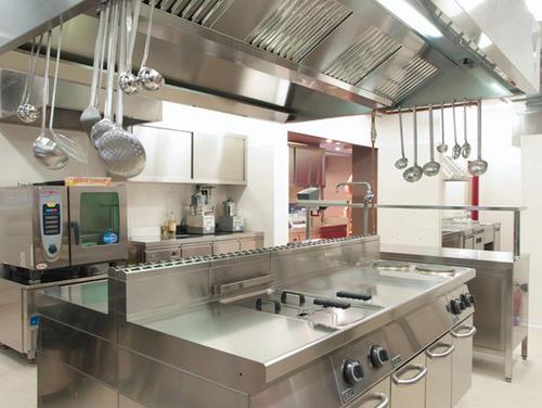 厨房设备选择用不锈钢材质的好处