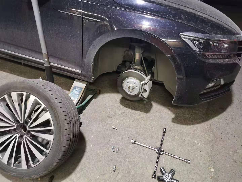 青岛道路救援 24小时更换轮胎