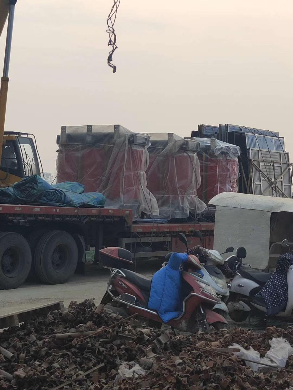 小林拖车救援提供紧急修理更换轮胎等服务