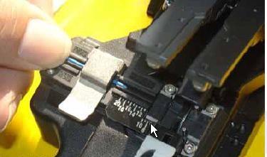 银川光纤熔接 裸纤的切割和光纤熔接