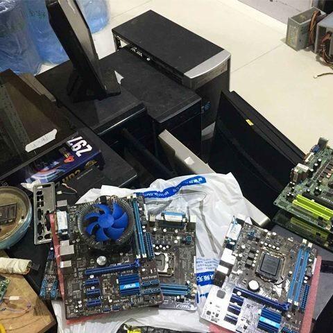 电脑开机黑屏是怎么回事该以及怎么处理