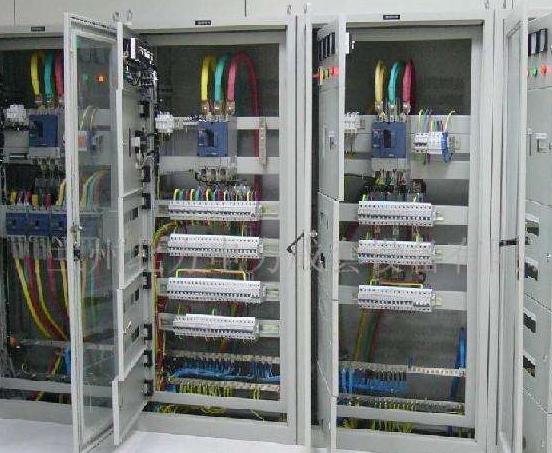 福州电工上门安装维修配电箱 持电工证上岗作业