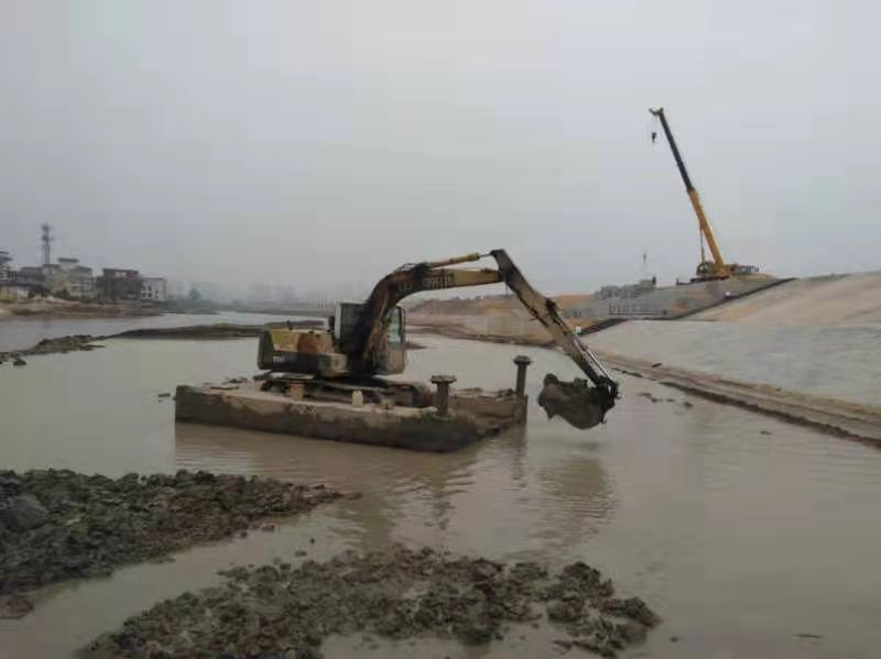 中山水上加长臂勾机挖掘机出租公司