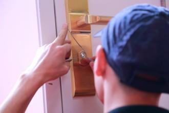 廊坊指纹锁上门安装