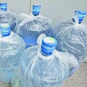 东兴桶装水配送 市场上最常见的桶装水类型