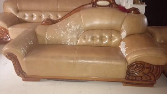 本中心专业提供沙发维修翻新服务