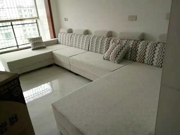 本中心的沙发维修翻新服务完善