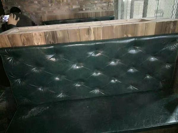 本中心专业提供各种沙发翻新维修