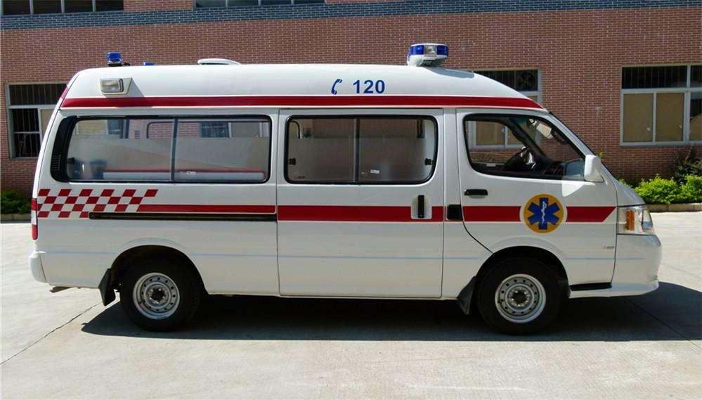 兰州救护车出租方便快捷上门接人