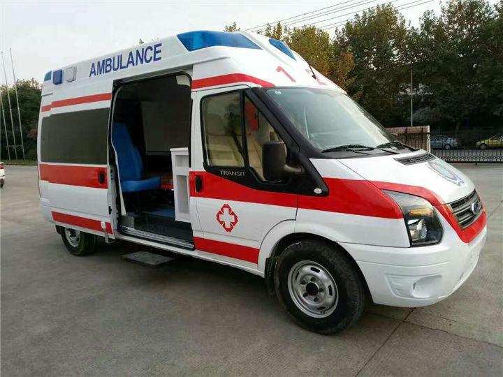 兰州出租救护车全心全意为患者服务