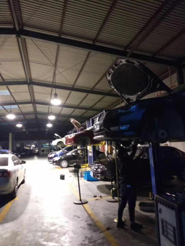 昆之星名车维修中心为您处理高档汽车各种故障