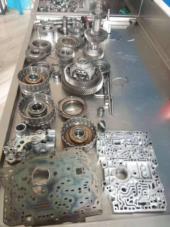 昆之星名车维修中心的发动机维修保养设施先进
