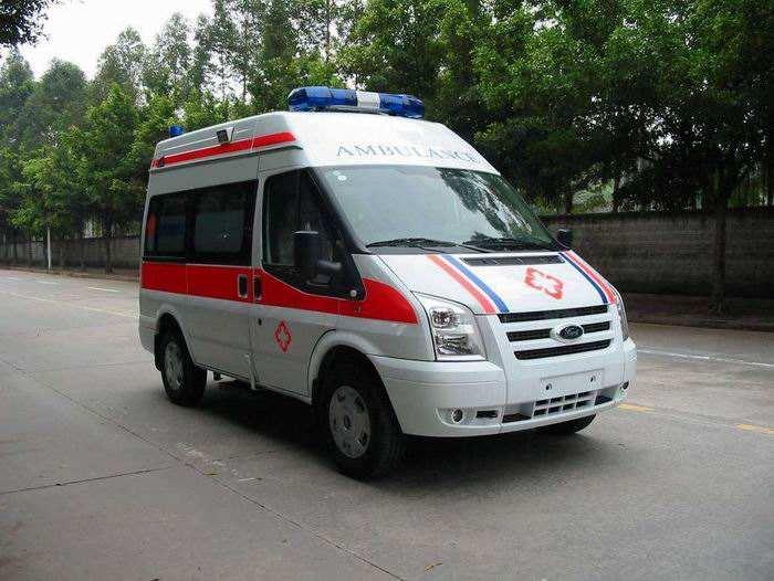 平安达护送承接长短途救护车出租