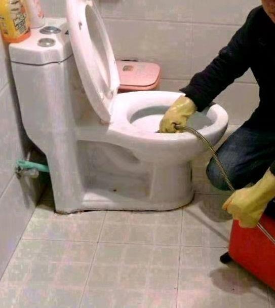 卫生间怎么疏通
